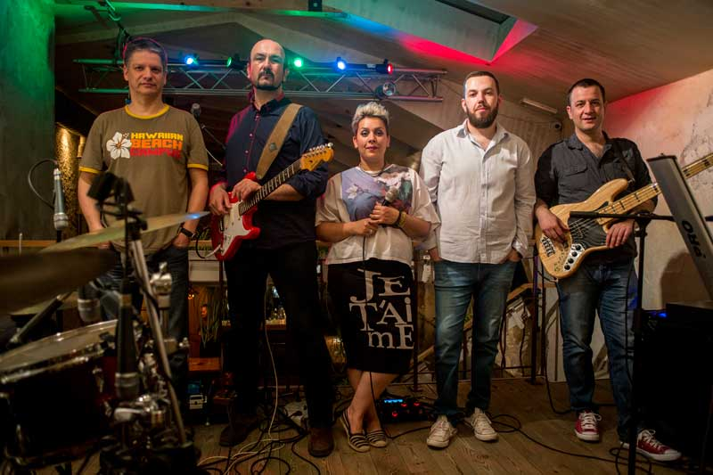 Wednesday, 30.05.2018. – CRVENO I CRNO (LIVE MUSIC) – 23:00h